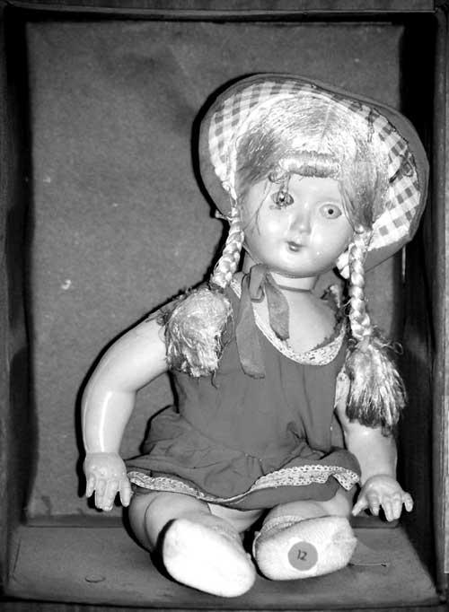 customs-doll
