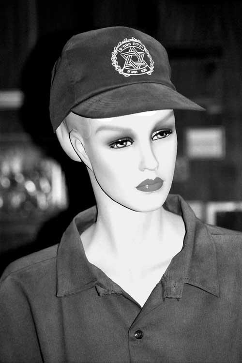 customs-woman-officer