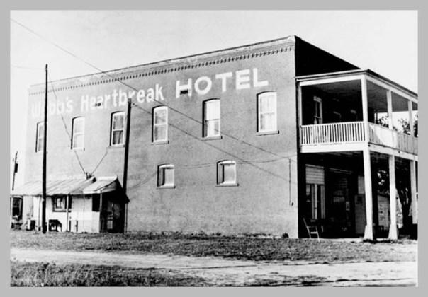 heart-break-hotel2